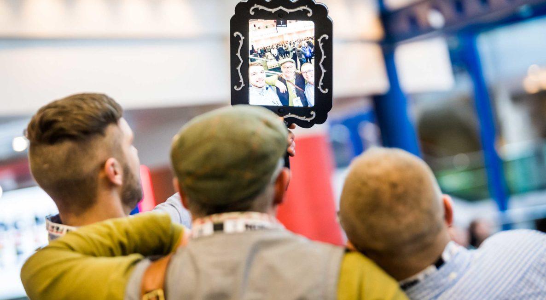 iPad Selfie Mirror